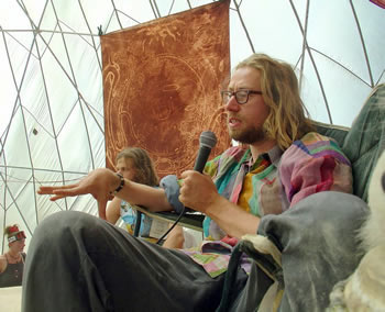 Daniel Pinchbeck speaking at the MAPS/Palenque Norte lectures at Burning Man 2005